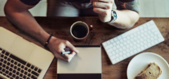 Wyróżnij się! Poznaj oryginalne wzory CV i zdobądź wymarzoną pracę