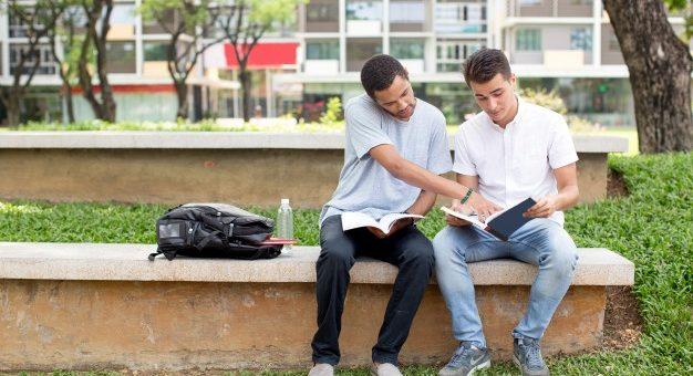 Kurs językowy czy samodzielna nauka? Jakie rozwiązanie wybrać?
